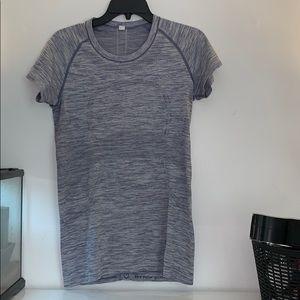 Size 10 lululemon shirt